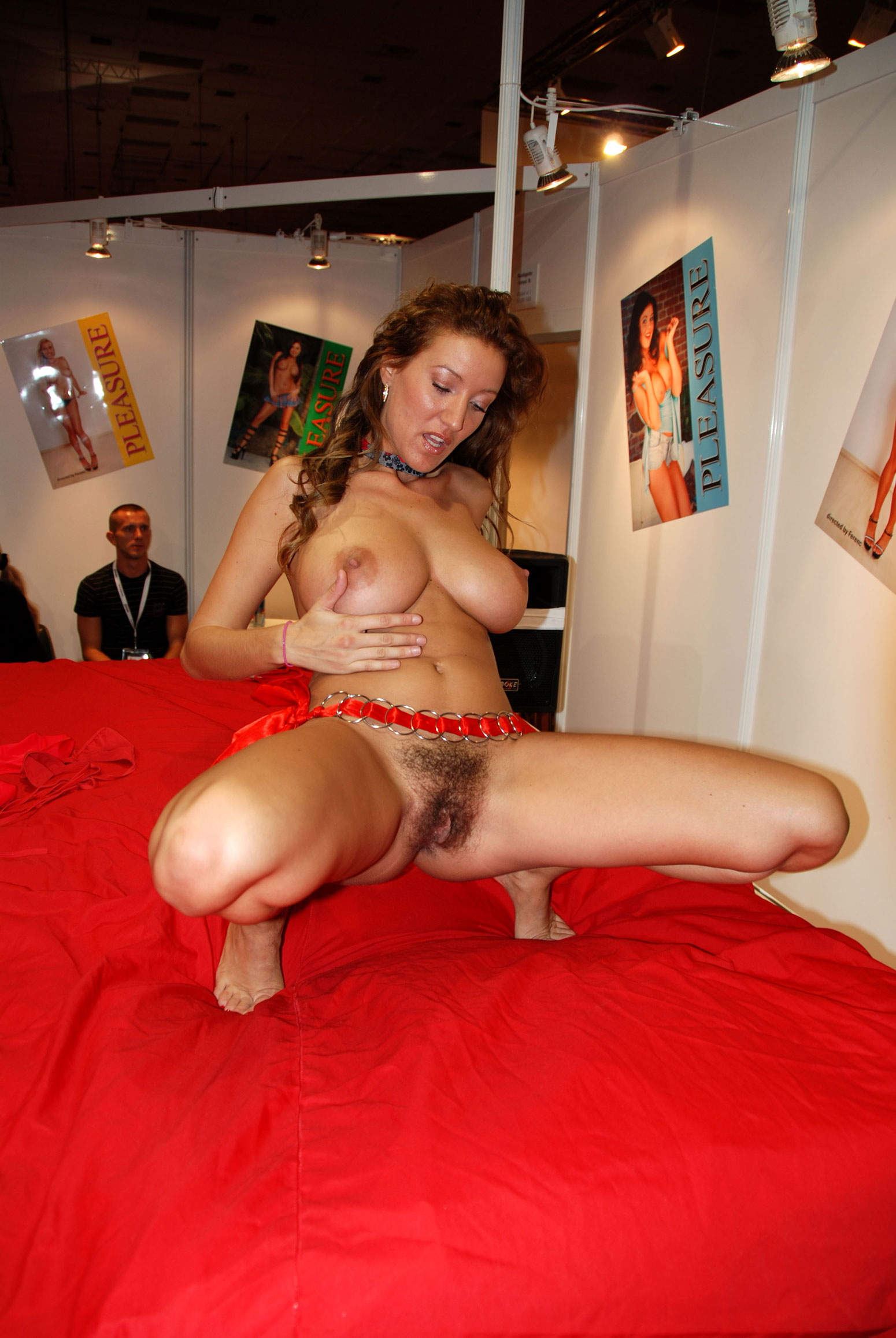 Venus Messe Porn